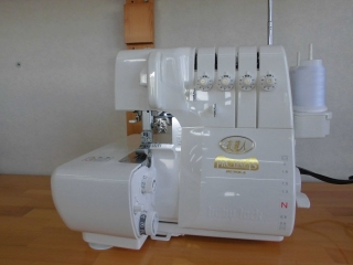 ◆差動送り 2本針4本ロック baby lock  PROLINE 衣縫人