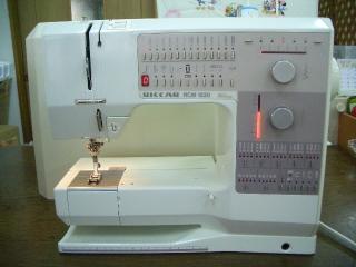 ベル二ナ 家庭用コンピューターミシン 1230 フットコン専用