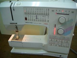 ベル二ナ 家庭用コンピューターミシン 1241 フットコン専用