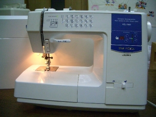 JUKI 家庭用コンピューターミシン HZL-7800  フットコン付